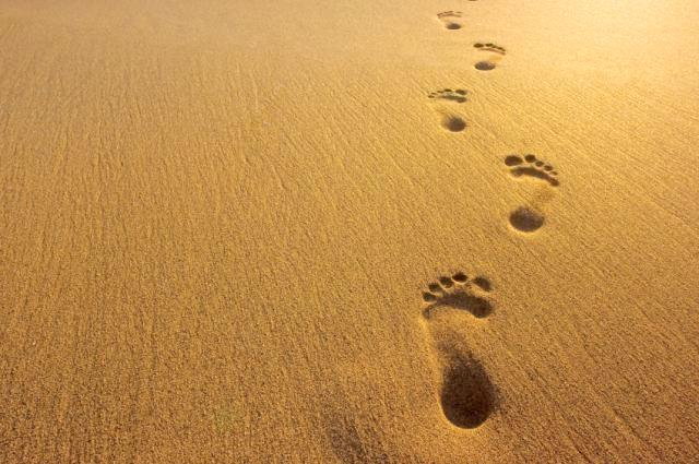 leave-footprints-in-the-sands-of-time